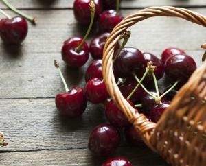 superfood-black-cherries